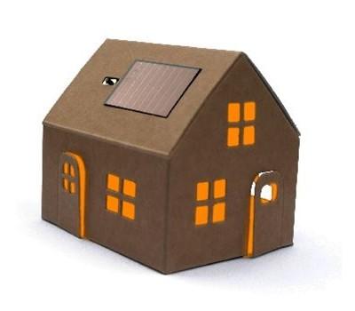 huisje met zonnepaneel